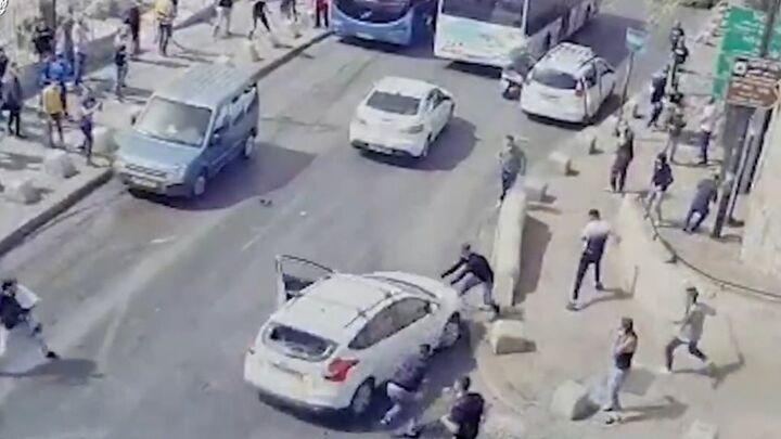 Ιερουσαλήμ: Εκατοντάδες τραυματίες σε συγκρούσεις Ισραηλινών - Παλαιστινίων (vid & pic)