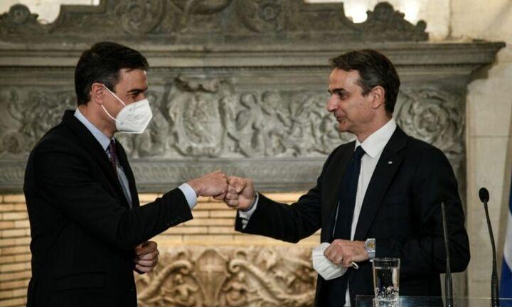 Μητσοτάκης-Σάντσεθ: Το Πράσινο Πιστοποιητικό διαβατήριο για την πιο ελεύθερη κυκλοφορία των πολιτών