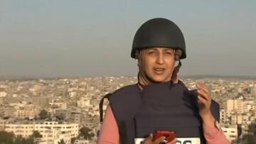 Γάζα: Τρόμος για δημοσιογράφο - Μετέδιδε live την ώρα των ισραηλινών βομβαρδισμών στον 14οροφο πύργο