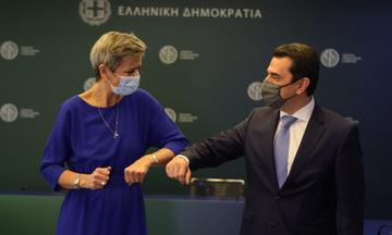 Συνάντηση Σκρέκα - Vestager για την ενέργεια - Στο επίκεντρο η καταδίκη για τη ΔΕΗ