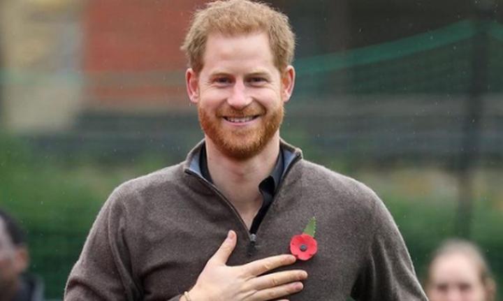 Νέες αποκαλύψεις για τη ζωή στο παλάτι και επίθεση του πρίγκιπα Χάρι στον πατέρα του