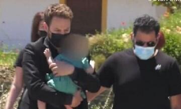 Έγκλημα στα Γλυκά Νερά: Με το μωρό στα χέρια έφτασε στην Αλόνησσο ο 32χρονος πιλότος