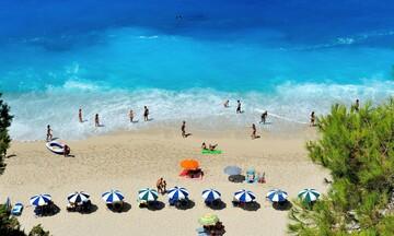Πάνω από 500 παραλίες πήραν τη Γαλάζια Σημαία φέτος – Δείτε ποιες