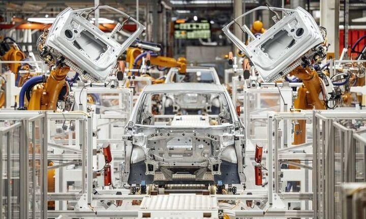 Alix Partners: H έλλειψη ημιαγωγών θα κοστίσει 110 δισ. δολάρια στις αυτοκινητοβιομηχανίες