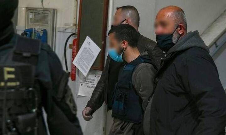 Διπλή δολοφονία στη Μακρινίτσα: Εισαγγελική πρόταση να δοθεί η επιμέλεια του παιδιού στους παππούδες