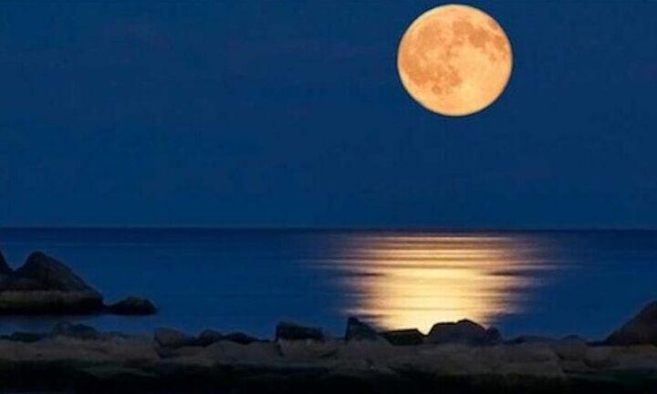 Eρχεται υπερπανσέληνος και η μοναδική ολική έκλειψη Σελήνης