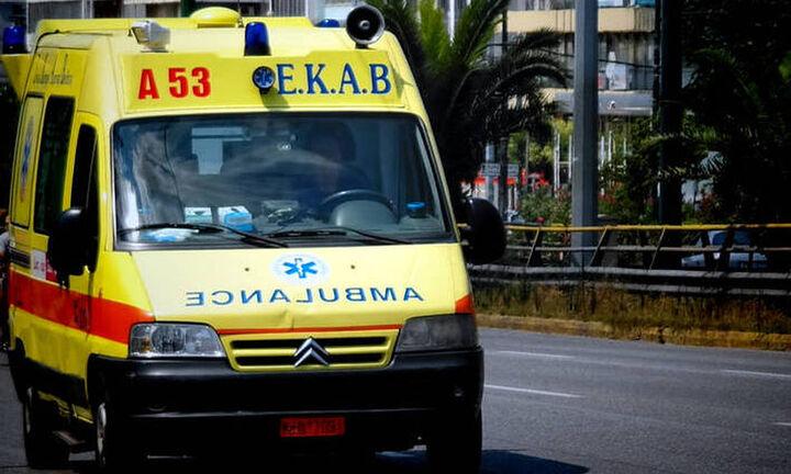 Νεκρή γυναίκα σε σφοδρή σύγκρουση τριών οχημάτων στη λεωφόρο Σουνίου