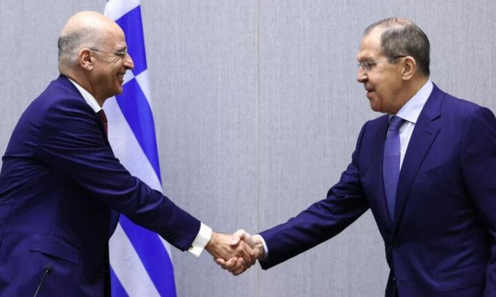 Δένδιας: Η Ελλάδα επιδιώκει την αναθέρμανση των σχέσεων Ε.Ε. - Ρωσίας