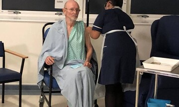 Βρετανία: Πέθανε ο Ουίλιαμ Σαίξπηρ, ο δεύτερος άνθρωπος που εμβολιάστηκε