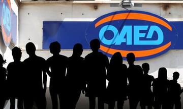 ΟΑΕΔ: Αναβαθμίζει τη συνεργασία του με επιχειρήσεις για την πρόσληψη ανέργων