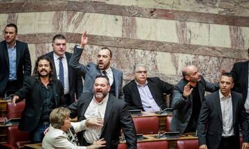 Κατατίθεται τροπολογία που στερεί τα πολιτικά δικαιώματα των καταδικασθέντων της Χρυσής Αυγής
