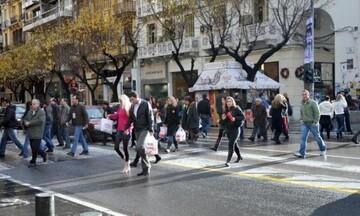ΕΣΘ: Να μην λειτουργούν τα καταστήματα τις Κυριακές
