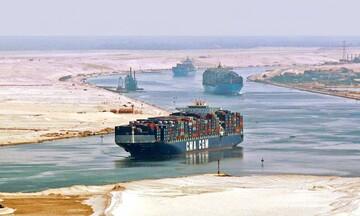 Αίγυπτος: Προσάραξε πλοίο στη Διώρυγα του Σουέζ - Κανονικά η διέλευση