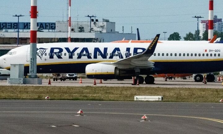 Αναγκαστική προσγείωση αεροσκάφος της Ryanair στο Βερολίνο έπειτα από προειδοποίηση για βόμβα