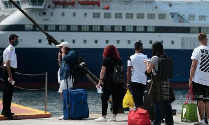 Αναστολή της απεργίας στα πλοία - Από τις 9 κανονικά τα δρομολόγια