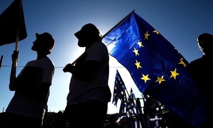 Ευρωβαρόμετρο: 8 στους 10 Έλληνες θέλουν σημαντικότερο ρόλο για το Ευρωκοινοβούλιο
