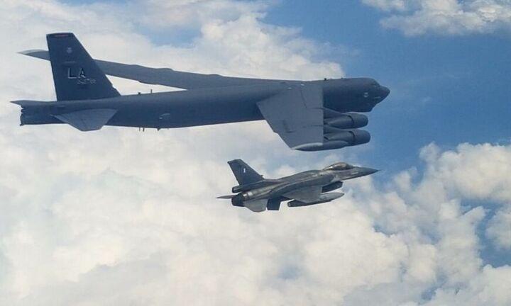 Ελληνικά F-16 συνόδευσαν αμερικανικό βομβαρδιστικό τύπουΒ-52