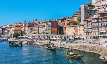 Παγωμάρα και στην Πορτογαλία από το νέο βρετανικό μπλόκο στον τουρισμό