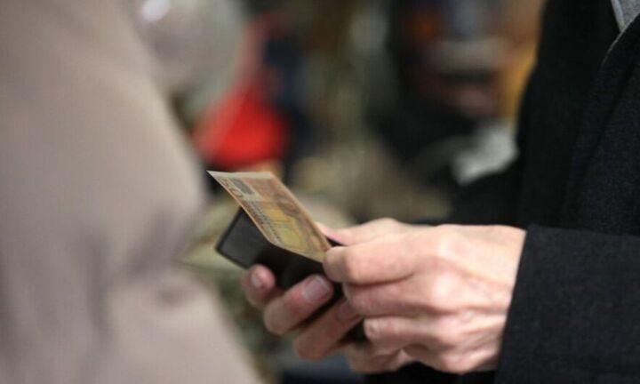 ΙΝΕ/ΓΣΕΕ: Κάτω από το όριο της απόλυτης φτώχειας ο κατώτατος μισθός