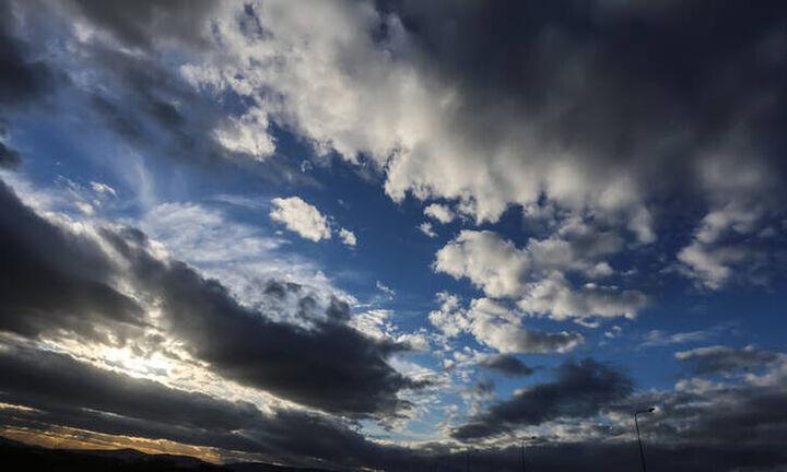 Καιρός: Χειμωνιάτικο το σκηνικό για σήμερα Σάββατο 12/6 - Που θα σημειωθούν βροχές και καταιγίδες