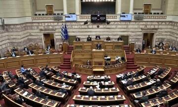 Εργασιακό νομοσχέσδιο: Απορρίφθηκαν οι ενστάσεις αντισυνταγματικότητας από ΚΚΕ και ΣΥΡΙΖΑ