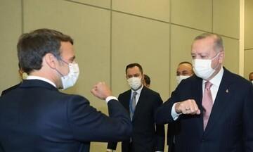 Σύνοδος Κορυφής ΝΑΤΟ: Μακρόν και Ερντογάν αφησαν στην άκρη τις διαφορές του και συναντήθηκαν