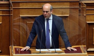 Βουλή: Άγρια κόντρα για το εργασιακό ν/σ - Κ. Χατζηδάκης:Δέχομαι επιθέσεις δολοφονίας χαρακτήρα