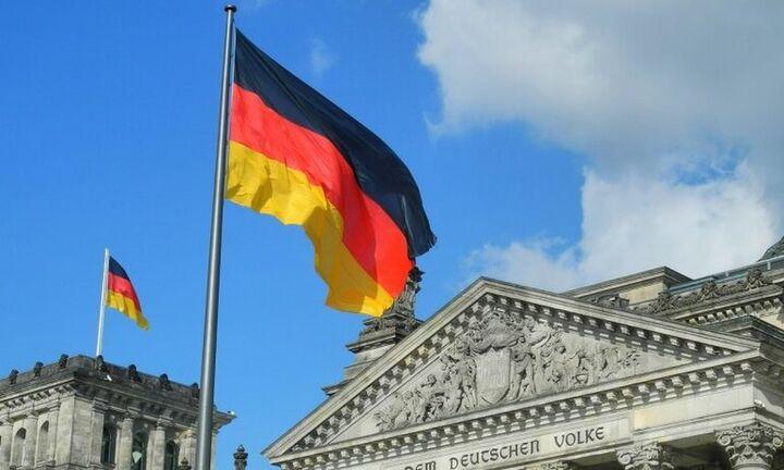 Γερμανία - Νέα δημοσκόπηση: «Καταποντίζονται» οι Πράσινοι - Παραμένει «εφτάψυχη» η Χριστιανική Ένωση