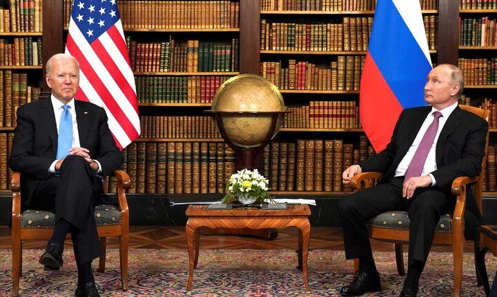 Γενεύη: «Παγωμένα χαμόγελα» στην πρώτη συνάντηση Μπάιντεν - Πούτιν (pic & vid)
