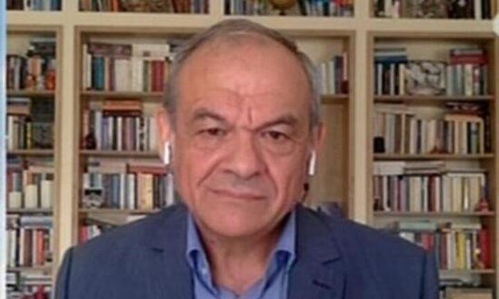 Μανωλόπουλος για εμβόλιο AstraZeneca: η Επιτροπή μπέρδεψε τον κόσμο