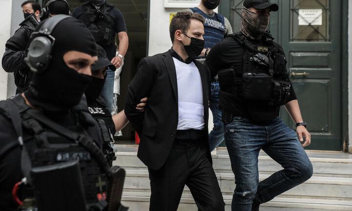 Γλυκά Νερά: Υπό δρακόντεια μέτρα στον ανακριτή ο Μπάμπης Αναγνωστόπουλος
