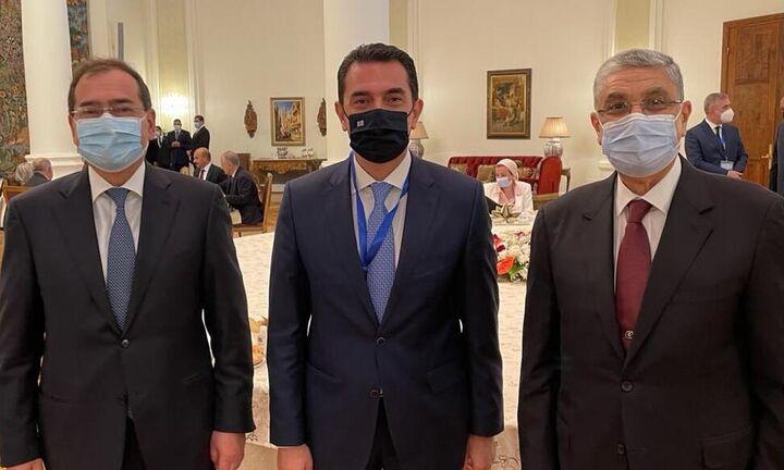 Η ηλεκτρική διασύνδεση Ελλάδας – Αιγύπτου στο επίκεντρο των συναντήσεων Σκρέκα, στο Κάιρο