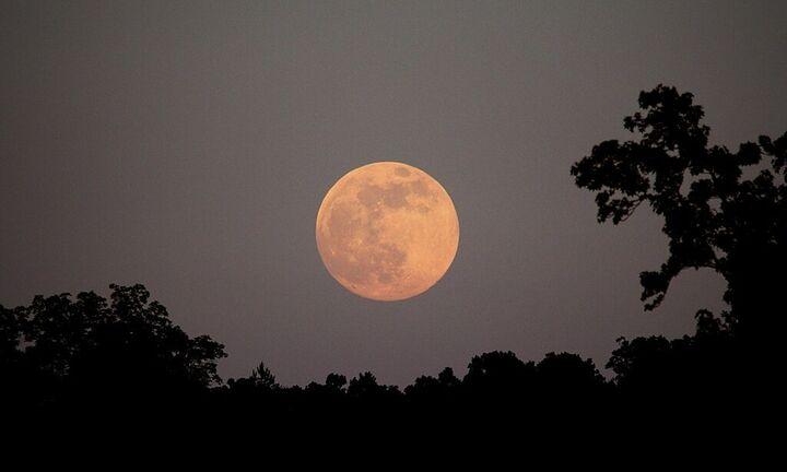 Την Πέμπτη 24 Ιουνίου, το «Φεγγάρι της Φράουλας», η 3η και τελευταία υπερπανσέληνος του 2021