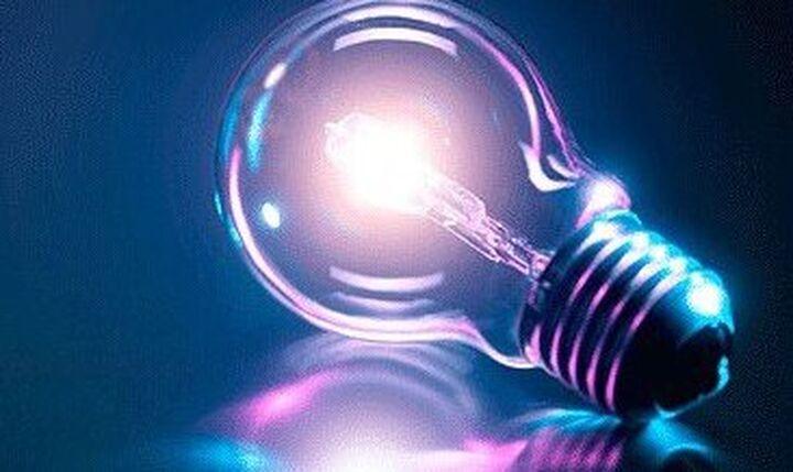 ΥΠΕΝ: Σε υψηλά επίπεδα οι τιμές ηλεκτρισμού σε όλη την Ευρώπη