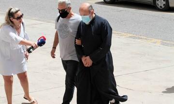 Αγρίνιο: Προφυλακιστέος ο 49χρονος ιερέας που κατηγορείται για βιασμό ανήλικων κοριτσιών