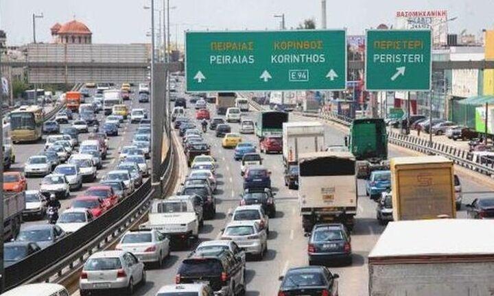 Τώρα: Κυκλοφοριακό χάος στη Λεωφόρο Κηφισού ύστερα από καραμπόλα