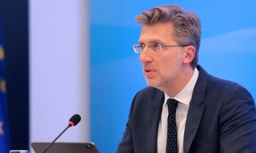 Σκέρτσος: Έρχονται περιορισμοί χωρίς οικονομική στήριξη για τους ανεμβολίαστους