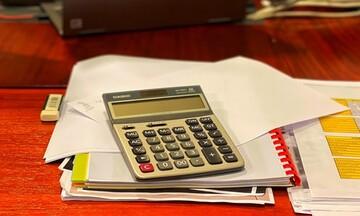 Αποκάλυψη: Ποιοι θα πληρώνουν φόρους επί 18 συνεχόμενους μήνες