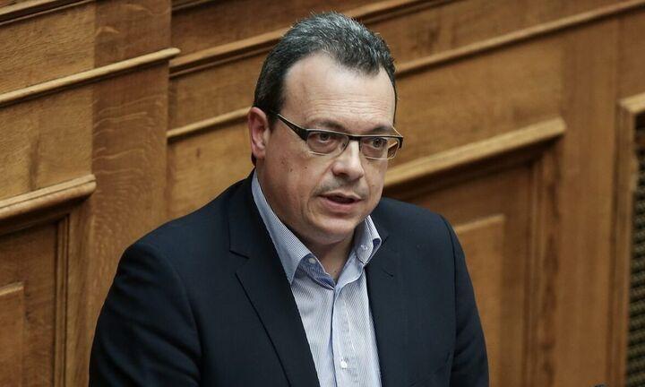Σ. Φάμελλος: Η κυβέρνηση παραδέχεται την αποτυχία της στον Ειδικό Λογαριασμό για τις ΑΠΕ