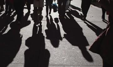 ΕΛΣΤΑΤ: Αύξηση της ανεργίας τον Απρίλιο - Σημαντικότερη επιβάρυνση σε νέους και γυναίκες