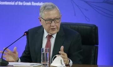 Κλάους Ρέγκλινγκ: Το ελληνικό χρέος μπορεί να παραμείνει βιώσιμο