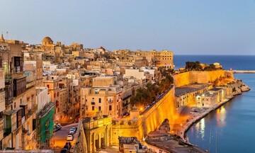 Η Μάλτα Θα απαγορεύσει την είσοδο στους ανεμβολίαστους τουρίστες