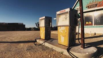 Αραβικός καβγάς βάζει φωτιά στις τιμές των καυσίμων