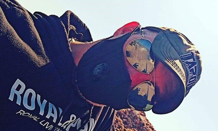 Ηλιούπολη: Σαμπάνιες, όπλα και χλιδή! Αυτός είναι ο αστυνομικός - μαστροπός που εξέδιδε την 19χρονη