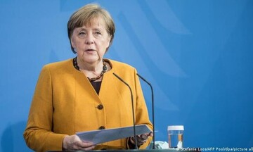 Πρόεδρος Παγκόσμιου Ιατρικού Συλλόγου: Λανθασμένη η στάση της Μέρκελ για τον υποχρεωτικό εμβολιασμό