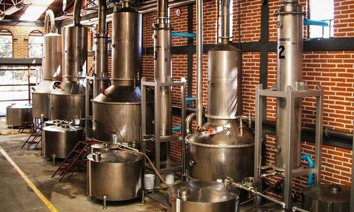 ΥΠΑΑΤ: 9 εκατ. ευρώ για το νέο πρόγραμμα Απόσταξης Οίνου