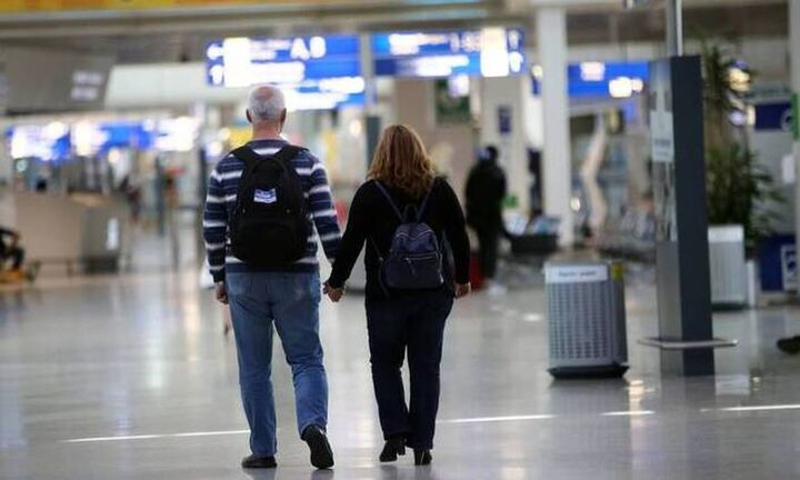 Γερμανικό «χαστούκι» στον ελληνικό τουρισμό: Να αποφύγετε τα ταξίδια στην Ελλάδα