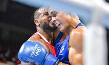 Τόκιο 2020: Πυγμάχος μιμήθηκε τον Μάικ Τάισον και... δάγκωσε τον αντίπαλο! (vid)