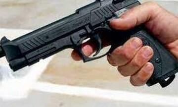 Ανατολική Μάνη: Έβγαλε το πιστόλι σε καβγά στο καφενείο... και πυροβόλησε