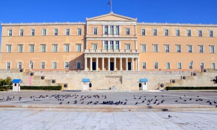 Βουλή: Ψηφίστηκε το νομοσχέδιο για την ασφαλιστική μεταρρύθμιση για τη νέα γενιά